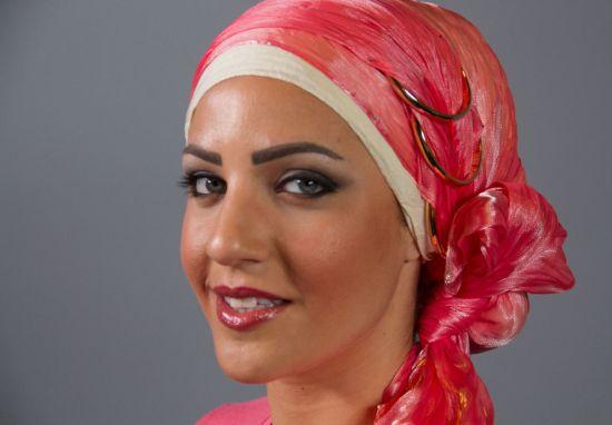 بالفيديو<br />موديلات حِجاب 2017 مَع حِجاب زهري واساور ذهبية!