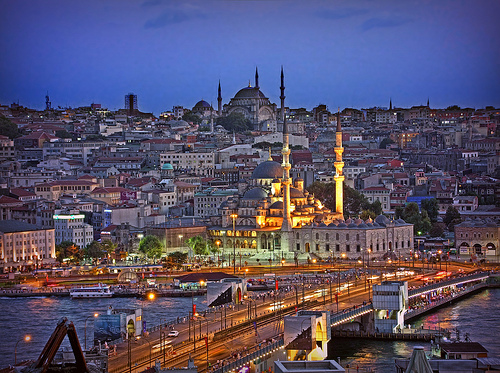 http://news.travelerpedia.net/wp-content/uploads/2012/12/istanbul-turkey.jpg