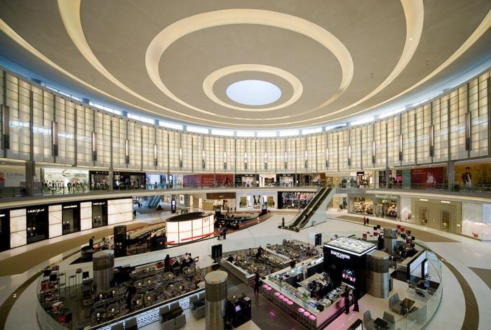 دبي مول مِن الداخِل المنتجات النسائية