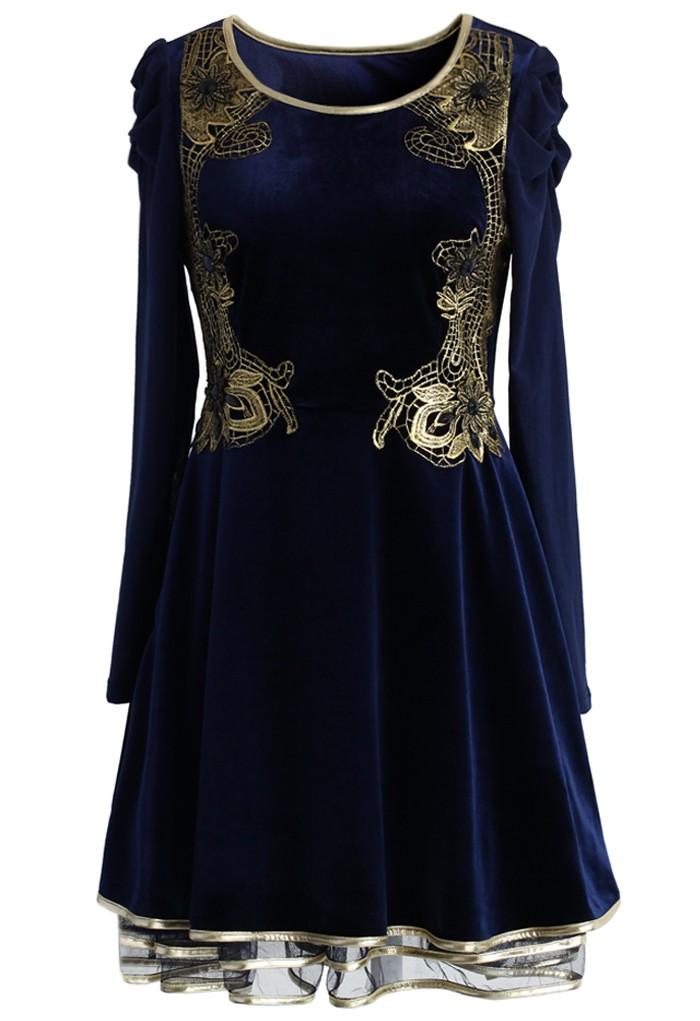 http://www.almrsal.com/wp-content/uploads/2015/02/Golden-Age-Velvet-Tulle-Dress.jpg