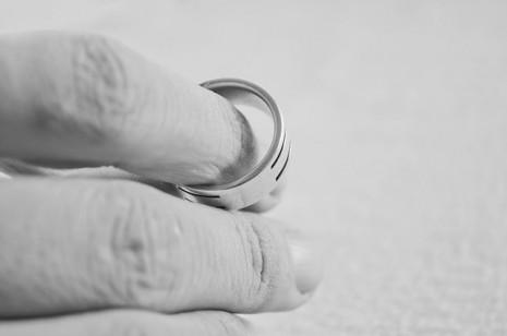 صوره الطلاق في المنام للمتزوجة