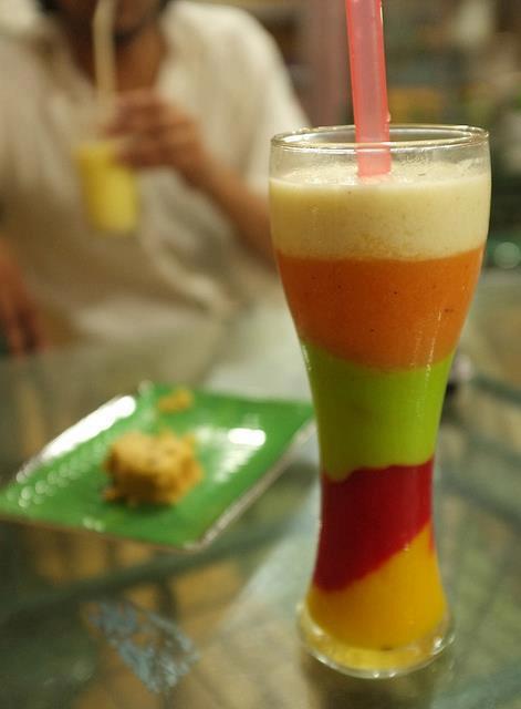 صوره طريقة عمل عصير المانجو بالتمر