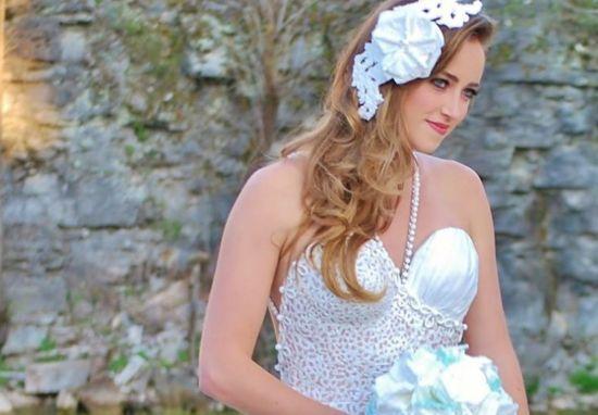 فساتين زفاف مصنوعه  مِن أوراق ألتواليت في نيويورك!