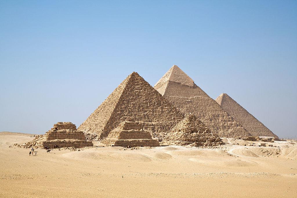 صوره بحث عن الاهرامات باللغة الانجليزية