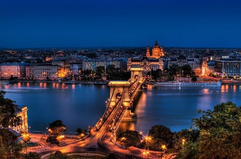 صوره اشهر الاماكن السياحية في العالم