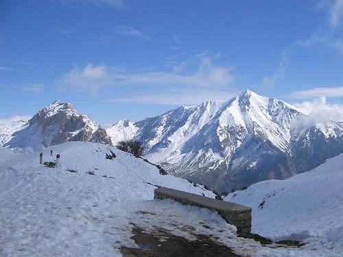 http://www.vitaminedz.org/photos/13/13243-le-mont-de-lala-khedidja-2203-m-d-altitude-tikjda.jpg