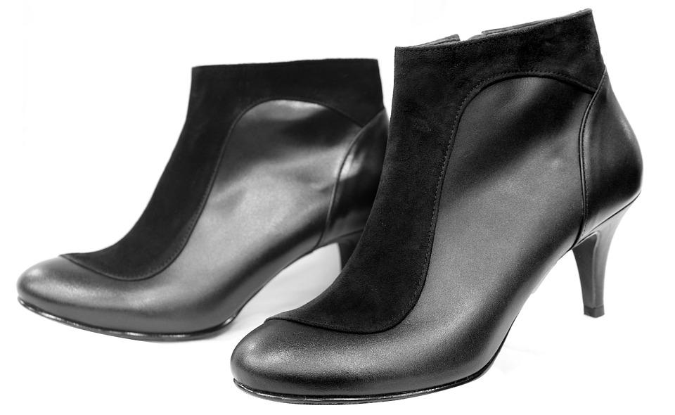 بالصور تفسير حلم الحذاء الاسود 20160711 1205