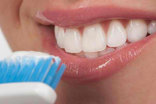بالصور معجون لتبييض الاسنان الحساسة سنسوداين ترو وايت 20160711 2309