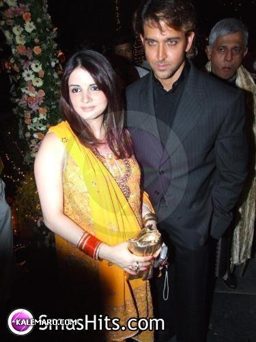 صور اشهر الممثلين الهنود و زوجاتهم صور رائعة لاشهر نجوم بوليود و زوجاتهم img_1365420029_205.j