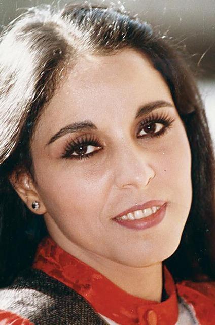 صورة ابعد ياحب لعفاف راضى , المطربة الثمانينية عفاف راضي المصرية باروع اغانيها