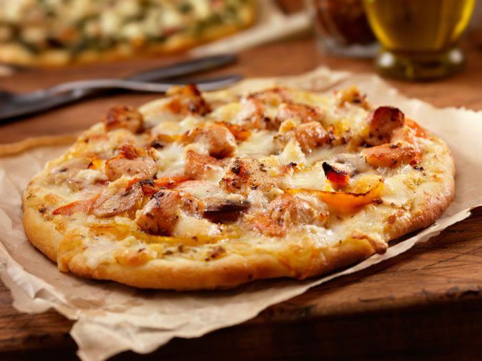 صور مقادير بيتزا بالخضار والدجاج