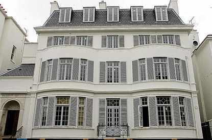 Elena-Franchuk-Victorian-Villa
