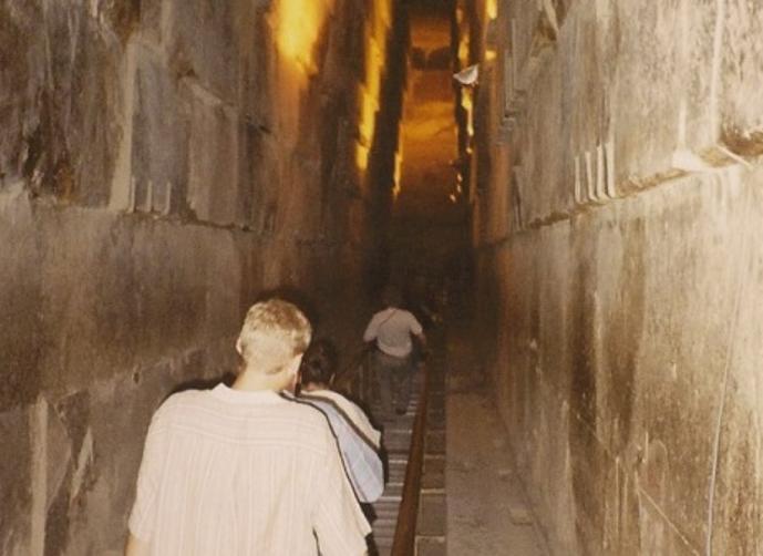 بالصور الاهرامات المصرية من الداخل 20160714 276