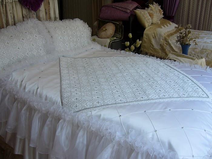 صور اجمل صور افرشة سرير مطرزة