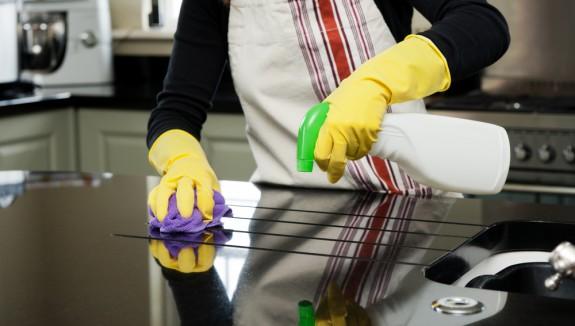 صورة طريقة تنظيف المطبخ بالصور