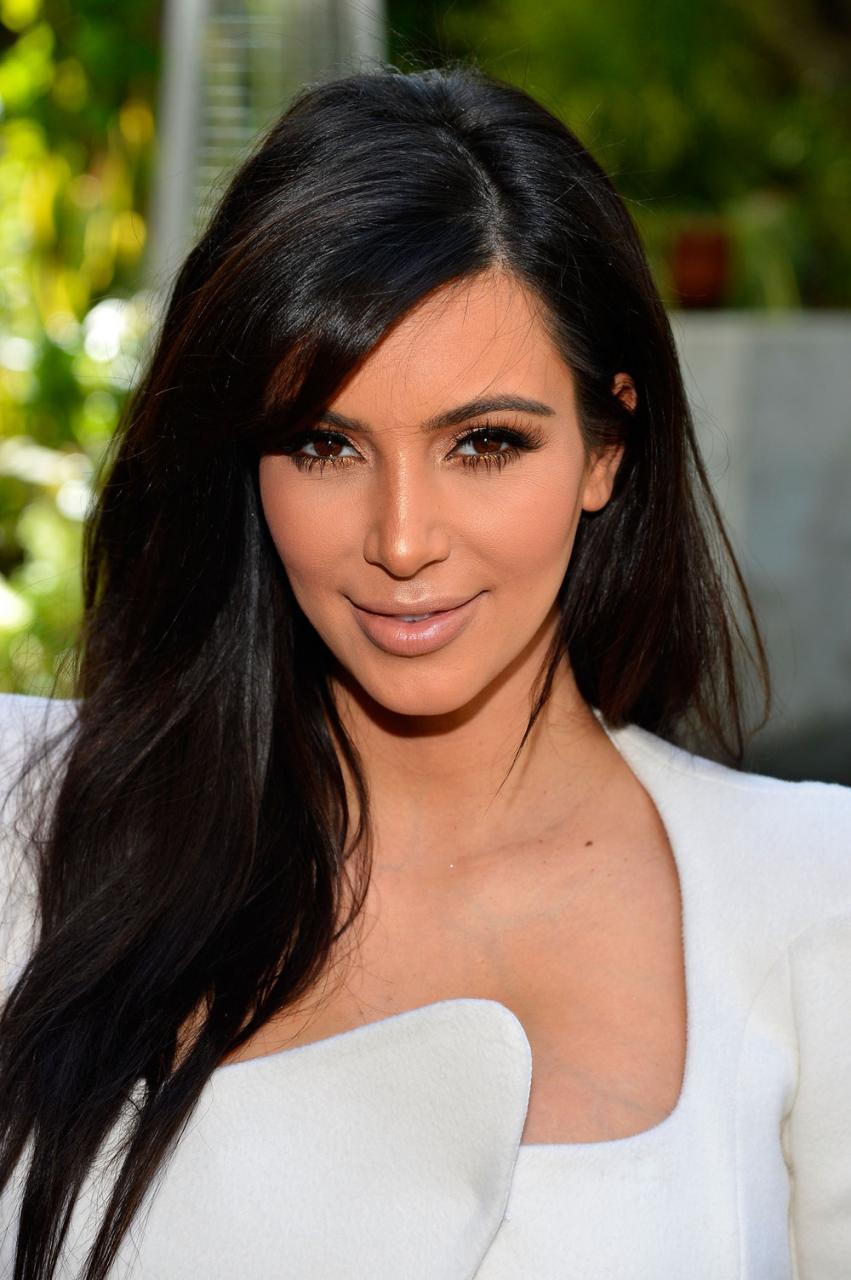 صور kim kardashian من هي السيرة الذاتية