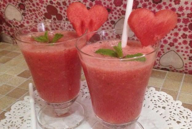 صوره طريقة عمل عصير البطيخ الاحمر