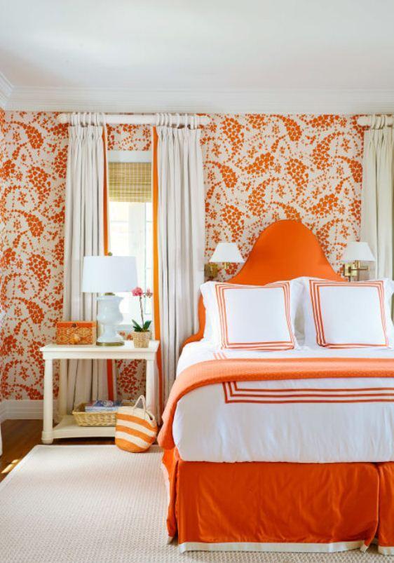 الحوائط البرتقالية
