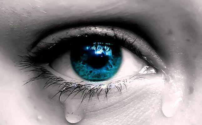 بالصور تفسير حلم  البكاء في المنام 20160716 2831