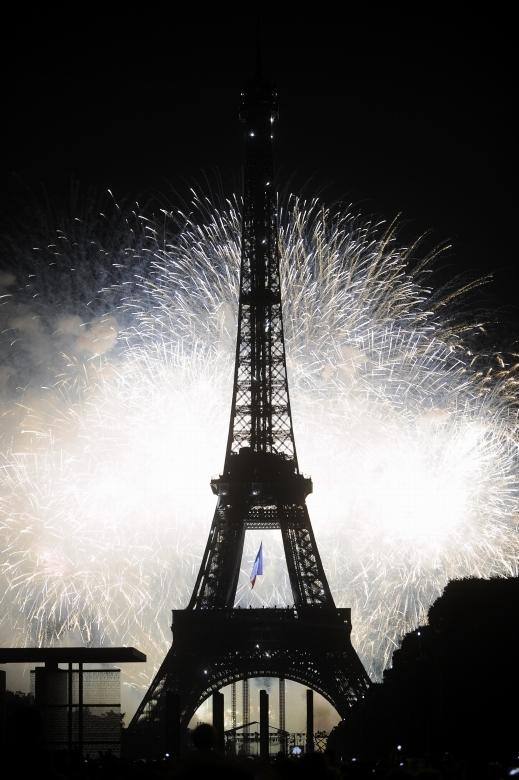 بالصور اجمل صور برج ايفل اهم المزارات السياحية في باريس 20160716 3113