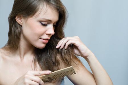 بالصور نصائح لتمشيط الشعر بطريقة صحيحة 20160716 541