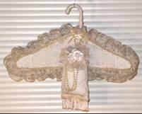 جهاز العروس و طريقة التنسيق ملابس العروس gggggggggggggg.jpg