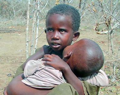 صور صور اطفال الصومال يحتضرون من الجوع