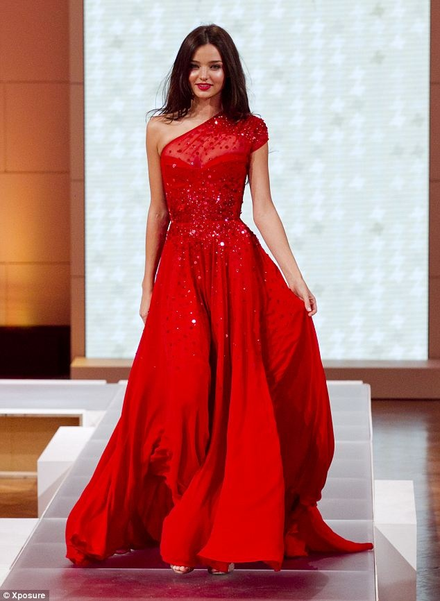 بالصور تفسير حلم فستان احمر 20160723 127