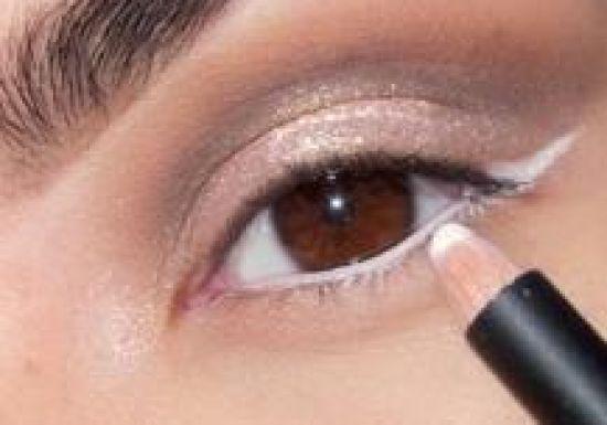 بالصور طريقة عمل مكياج  لتكبير العيون 20160724 751
