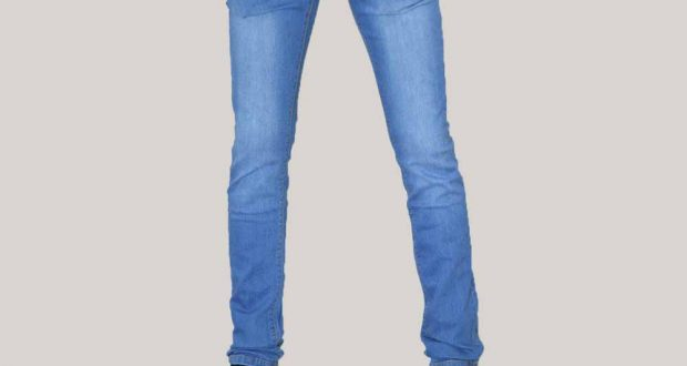صورة بنطلون جينز جديد لاظهار قدراتك وزوقك العالي