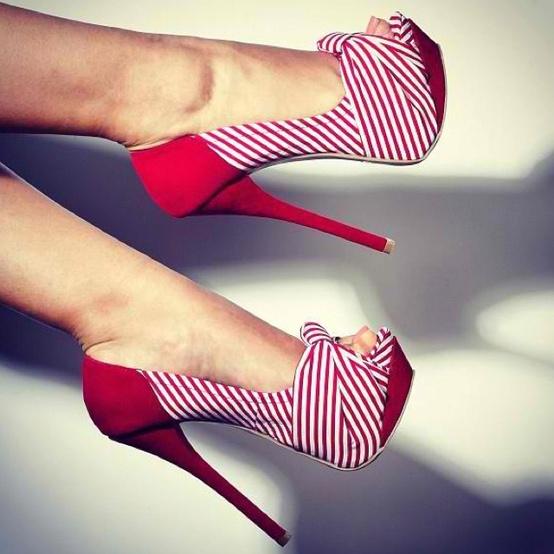 صوره احذية نسائية عصرية جميلة