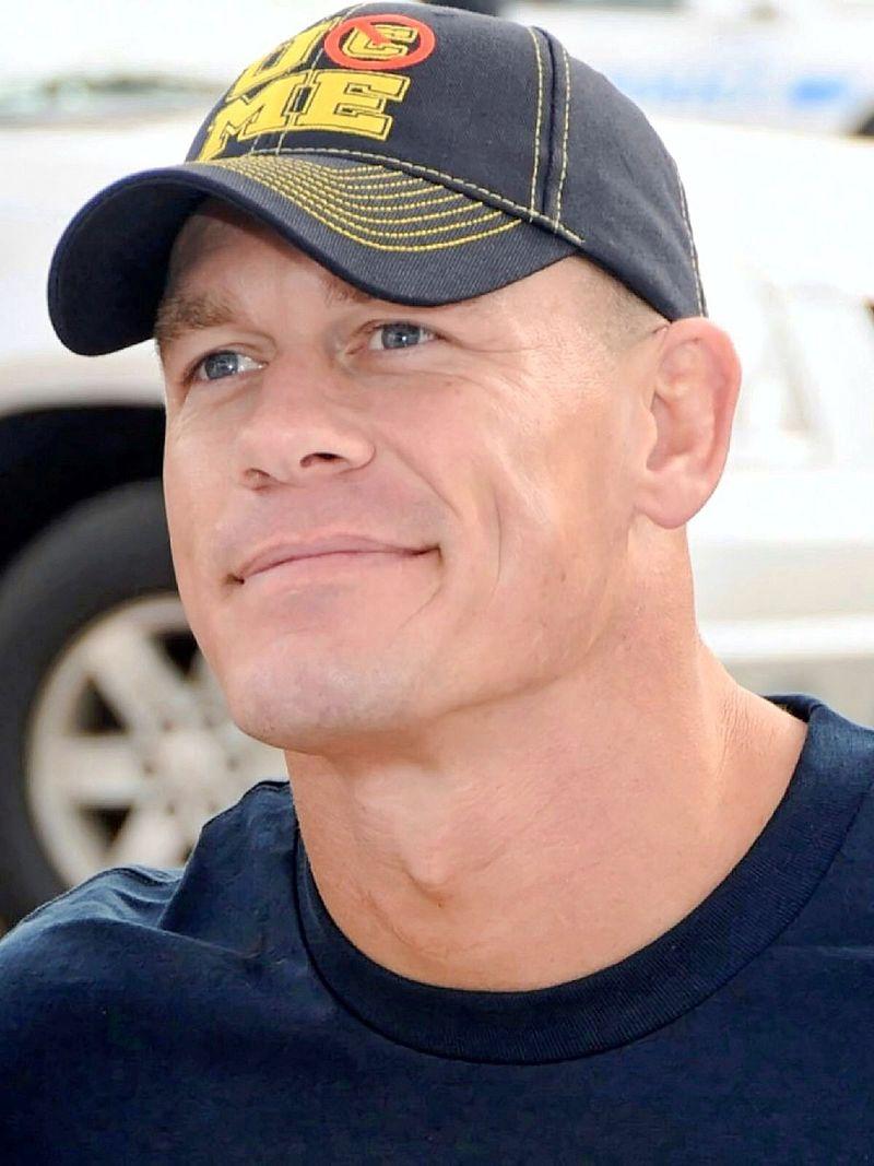 بالصور نجم المصارعة جون سينا 800px John Cena 2012