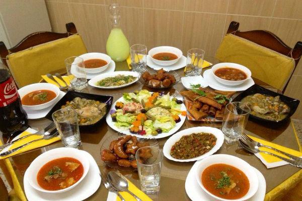 صور مائدة رمضان في الجزائر
