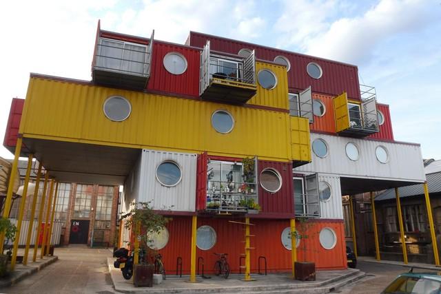 بالصور اغرب بيت في العالم Cmglee Container City 2