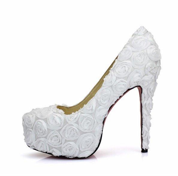 صوره حذاء ابيض انيق للعروس