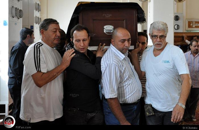 بالصور جنازة الفنان عمر الحريري f8b55f3a1dd52288b7b2fa92f3aa1cd0