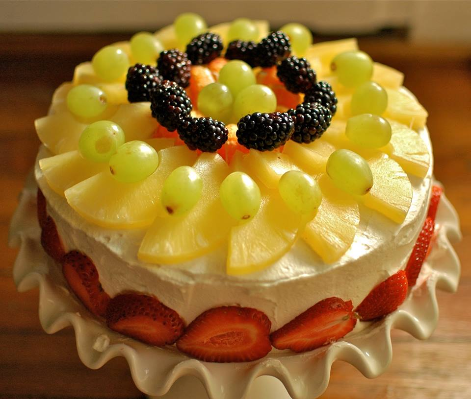 How To Decorate Fruits On Cake