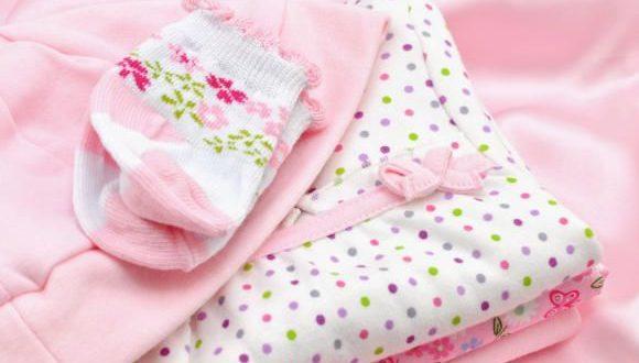 بالصور كيف تشترين ملابس الاطفال الرضع shutterstock 82224109 580x330